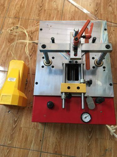 máy dập ghim khung tranh 3